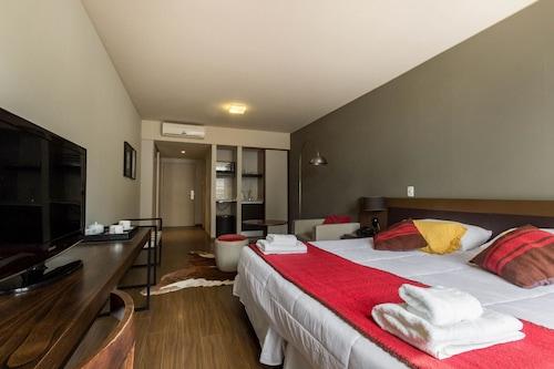 帕勒莫公寓酒店/