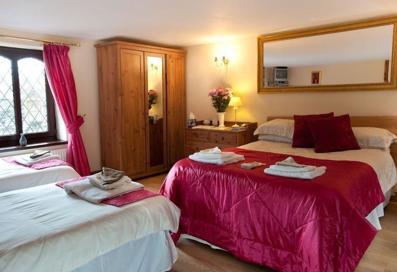 Pentre Riding Stable and Accommodation, Swansea, Family Room, Guest Room