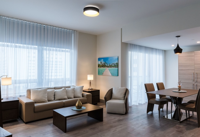 CH Deluxe Apartments  by MDR, Hollywood