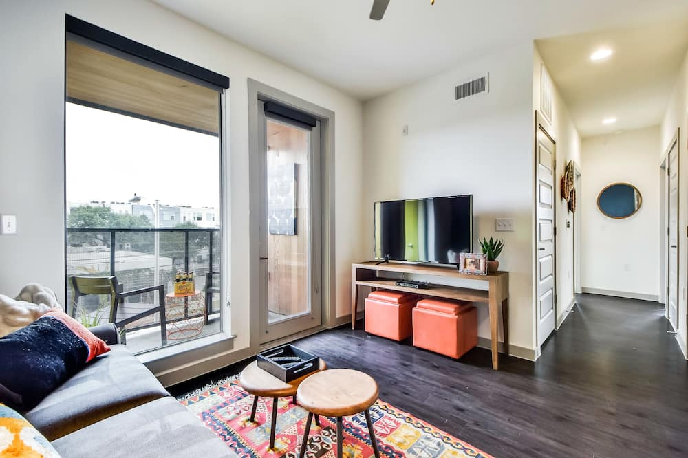Apartment, 2 Bedrooms, Non Smoking - Living Room