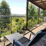 Deluxe Cottage, 1 Queen Bed with Sofa bed, Vineyard View - Balcony