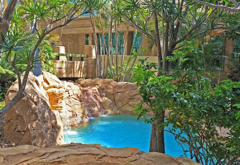Holiday Holiday Sun City Apartments, Surfers Paradise, Piscina Exterior