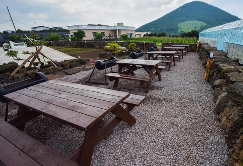 Jamung Pension, Jeju City, Terraza o patio