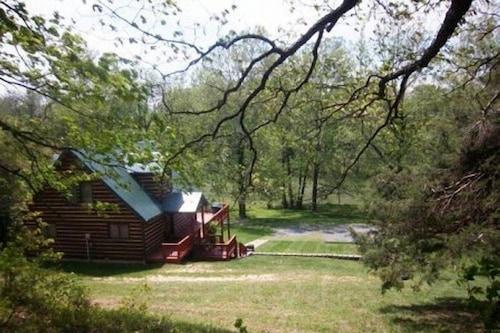 A_papa_bears_river_cabin/
