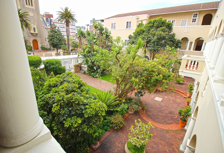 Victoria Court 111 - In Cape Town (Camps Bay), Cape Town, Garden