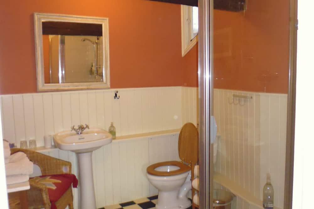 Tek Büyük Yataklı Oda, 1 Çift Kişilik Yatak - Banyo Duşu