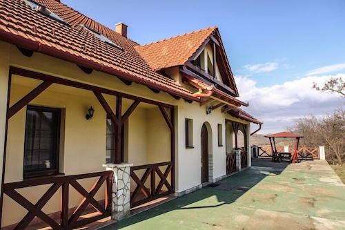 伯爾巴茲利卡旅館/