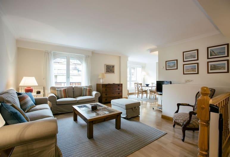 Donibane Apartment by People Rentals, Saint-Sébastien, Appartement, 3 chambres, Coin séjour