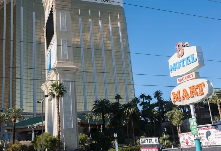 Motel 8 Plus, Las Vegas