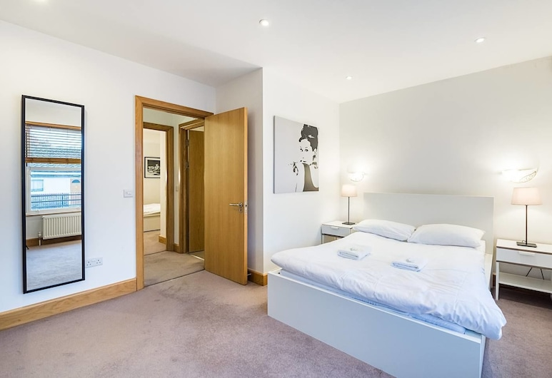 Greyhound 3 · Spacious 2 Bed Apartment Close To Barons Court St, London, Apartment, 2 Schlafzimmer, Zimmer