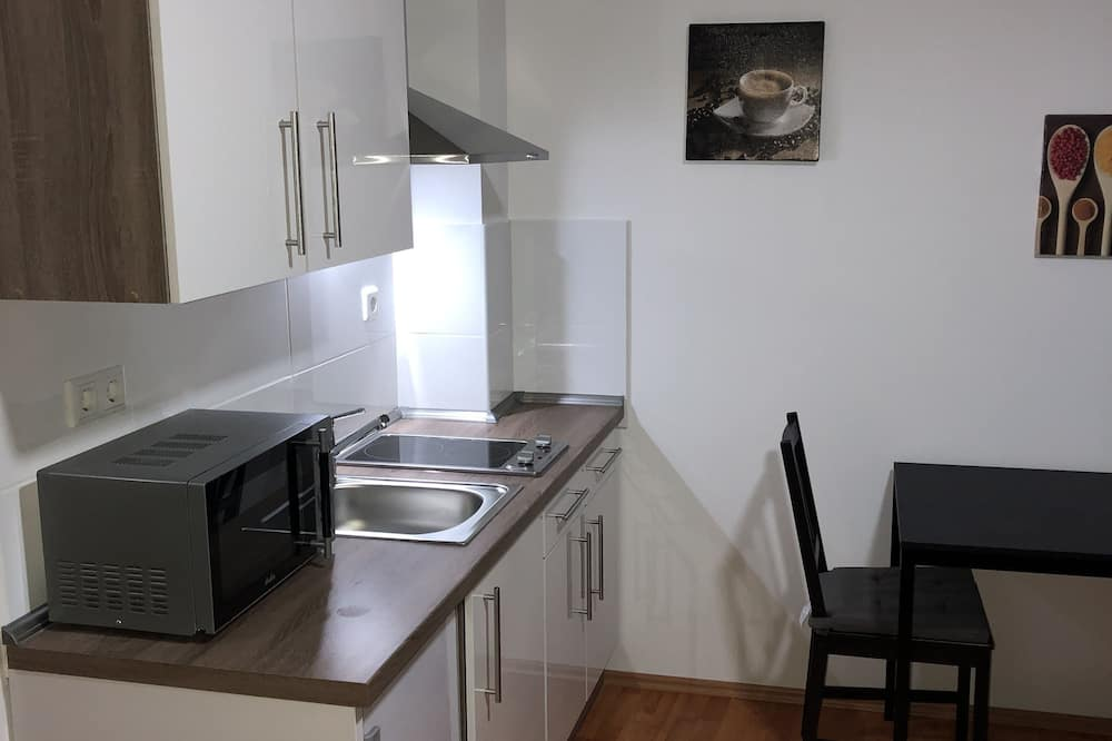 City Διαμέρισμα, 1 Διπλό Κρεβάτι, Μη Καπνιστών, Θέα στην Αυλή - Δωμάτιο