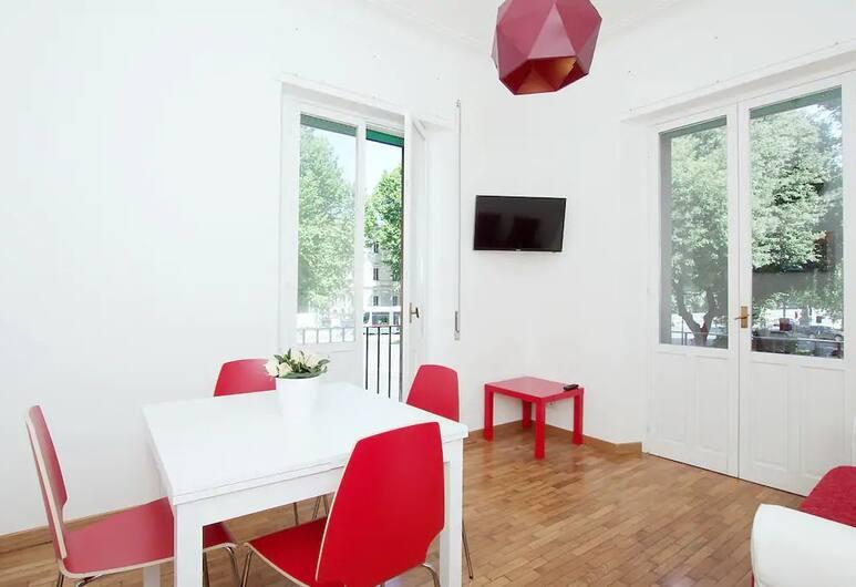 Casa Vacanza Belli, Rome, Appartement, 2 slaapkamers, Balkon, Uitzicht op de stad, Woonkamer