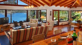 Foto Luxury 4Bed 3.5Bath w Jacuzzi HV6 di San Carlos de Bariloche