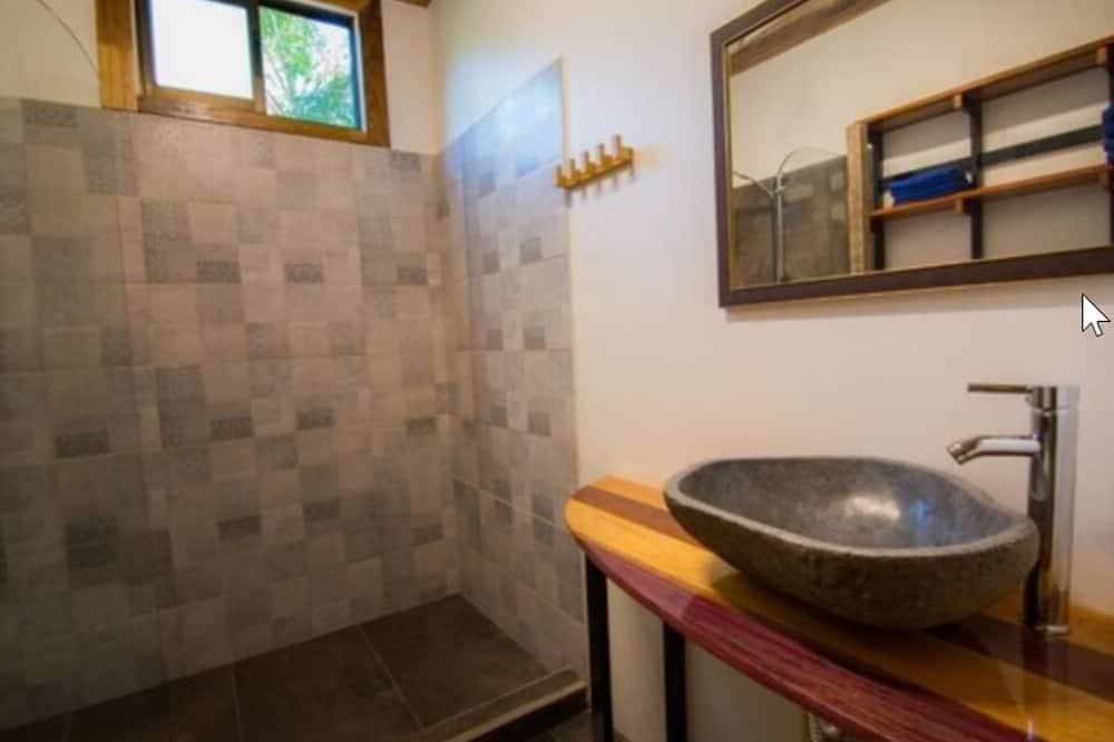 Villa Residencial - Waschbecken im Bad