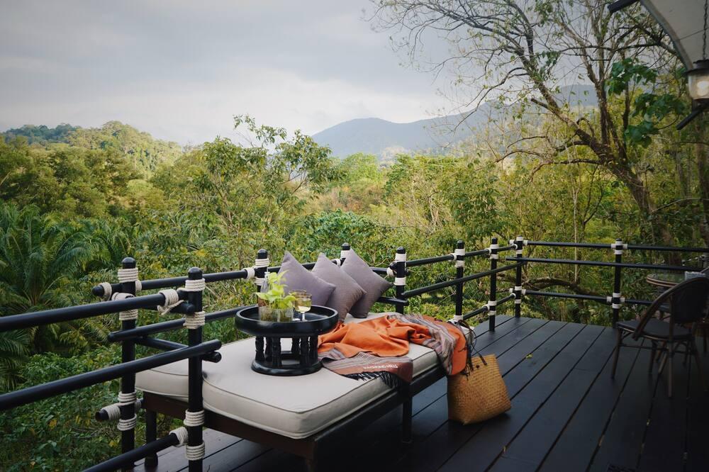 Exclusive Explorer Superior Tent with Private Bathroom - Terrace/Patio