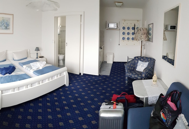 Hotel-Pension Haus Hubertus, בורקום