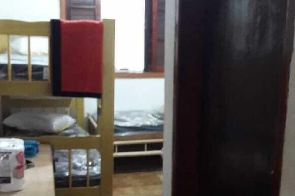 ベーシック ハウス ベッド (複数台) コートヤードビュー - 客室