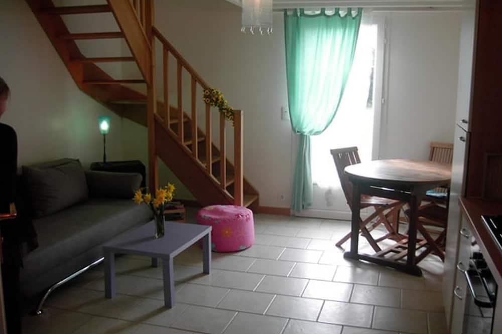 Dvojposchodový apartmán, viacero postelí, nefajčiarska izba - Obývacie priestory
