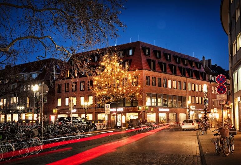 H.ostel Münster, Münster/Munster, Fachada del hotel de noche