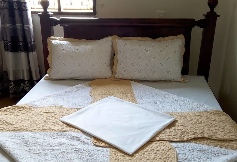 The Hashtag Guest House, Kampala, Comfort Double Room, 1 Double Bed, Non Smoking, Hill View, Guest Room