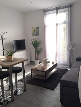 Picture of Apartment With one Bedroom in Hyères, With Wonderful City View and Wifi - 4 km From the Beach in Hyeres