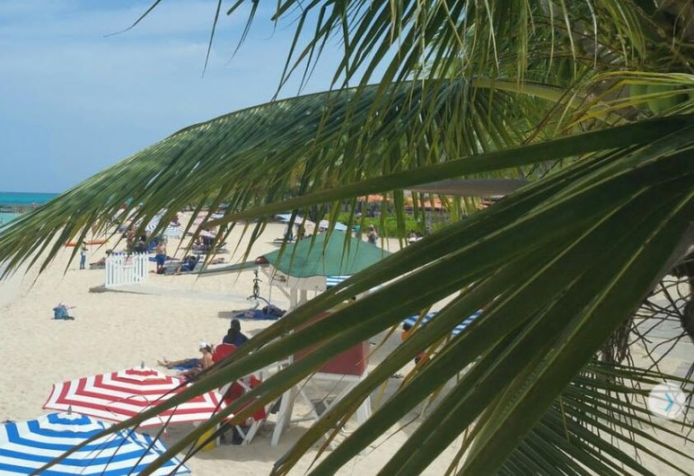 Caribic House Hotel, Montego Bay, Beach