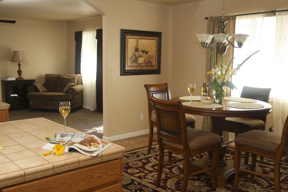 Phòng Tiêu chuẩn - Ăn uống tại phòng