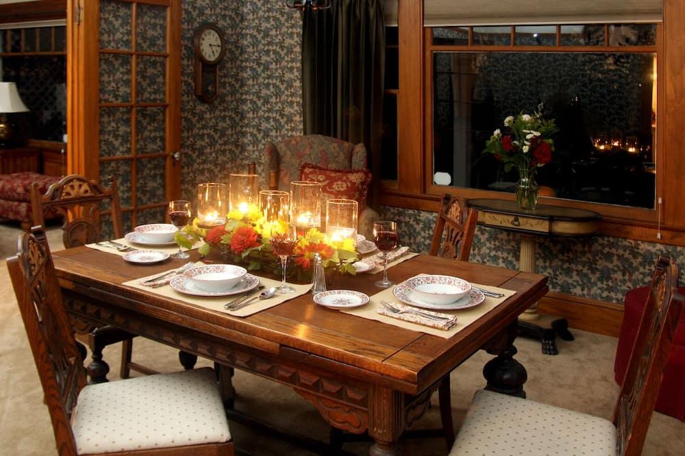 Standard szoba - Étkezés a szobában