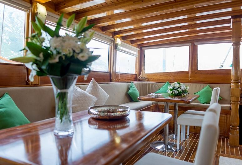 Dm Yachting - 7 Night Cruise Sun-Sun, Kotor, Lobby