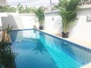 Foto 3 bedroom Pool Villa Near Walking St di Pattaya