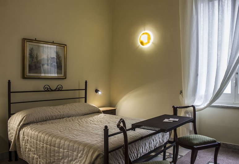 Don Angelo Petito BB, Naples, Triple Room, Multiple Beds, Non Smoking, Guest Room