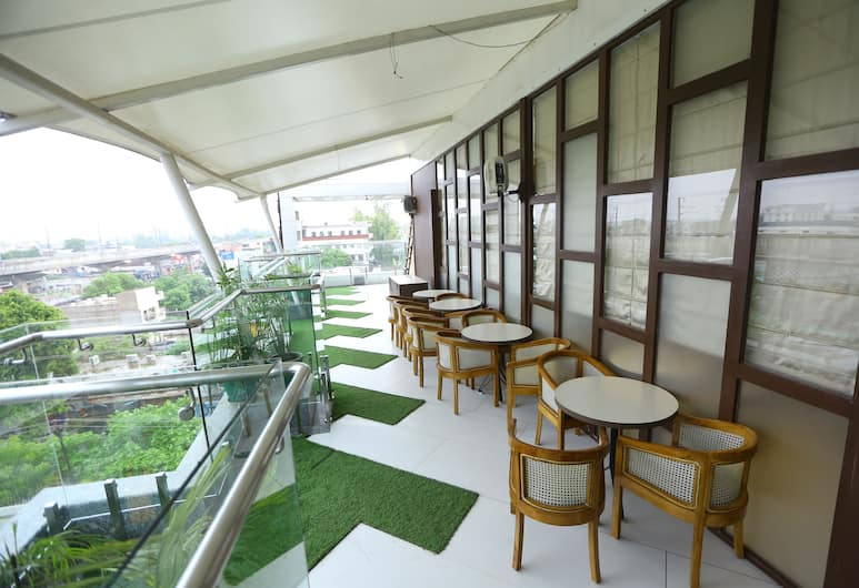 The Gurveer Royal, Lucknow, Terrasse/Patio