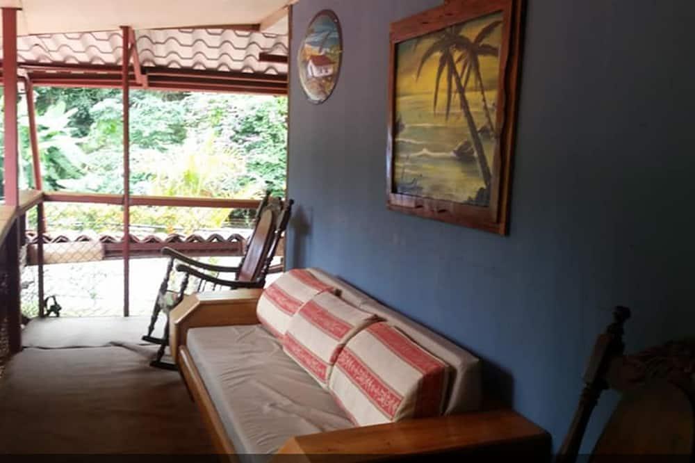 ห้องคอมฟอร์ท, หลายเตียง, ปลอดบุหรี่ - พื้นที่นั่งเล่น