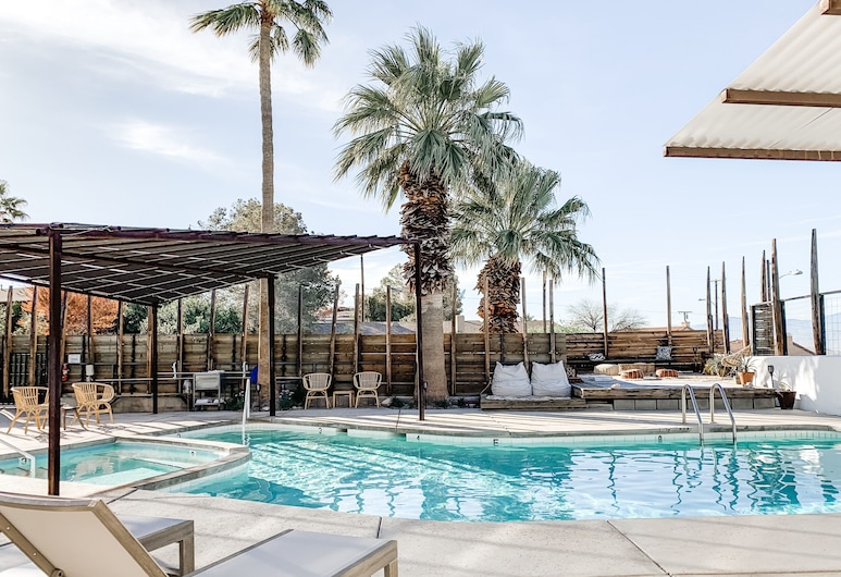 Miracle Manor Boutique Hotel & Spa, Desert Hot Springs, Basen