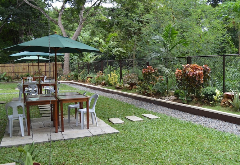 Diakopes Inn - Hostel, Puerto Princesa, Property Grounds
