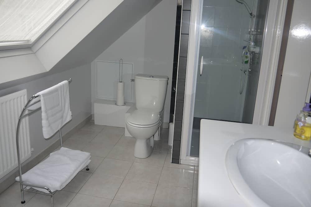 Standard Triple Room, Private External Bathroom (Louise) - Bathroom