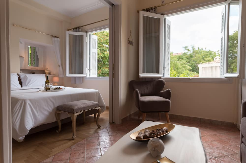 Luxury Apartment (Hermes) - Living Area