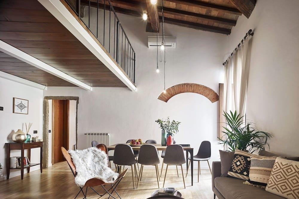 Apartman, 4 spavaće sobe - Obroci u sobi