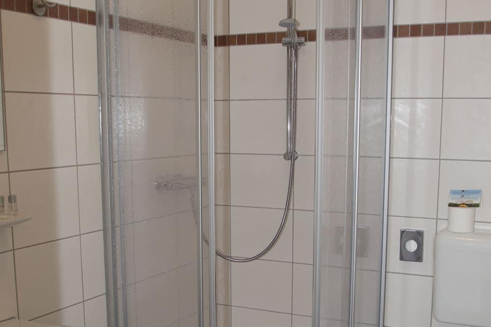 Büyük Yataklı Tek Kişilik Oda, Göl Manzaralı - Banyo