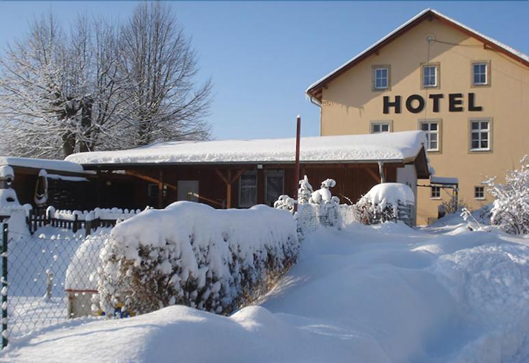 Landgasthof Neue Schänke Hotel, Koenigstein, Otelin Önü