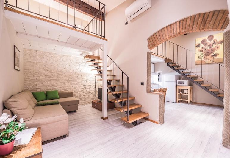A Few Steps to The Duomo Upscale 2BD Apt, פירנצה, דירה, 2 חדרי שינה, אזור מגורים