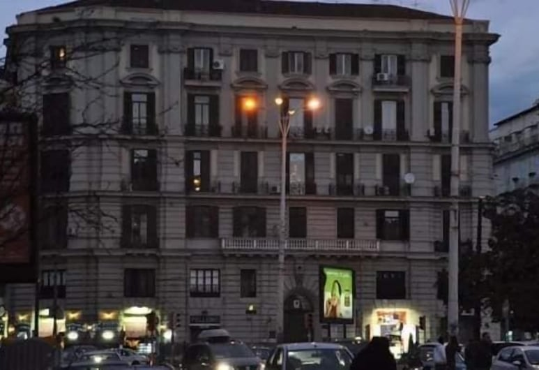 Sweet Night, Naples, Hotel Front