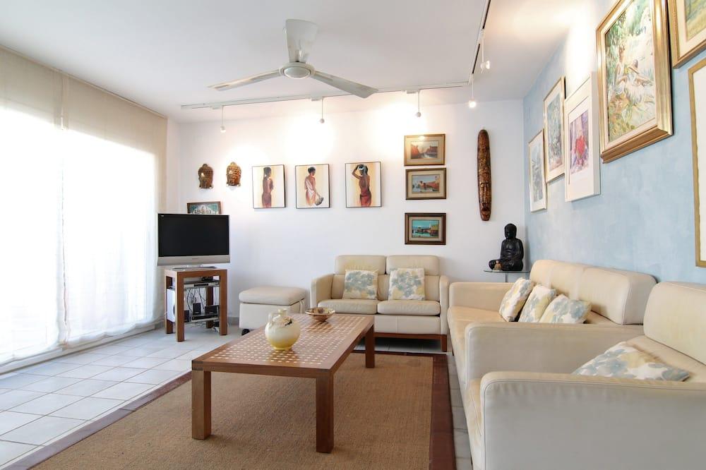 Apartmán, 3 ložnice, terasa - Obývací pokoj