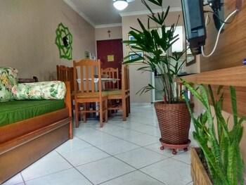 Picture of Apto 22E ar condicionado e ventilador, 2 quartos, churrasqueira, elevador e piscina in Ubatuba