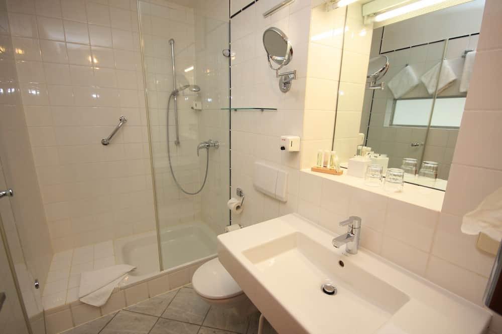 Classic-Doppelzimmer, 2Einzelbetten, Nichtraucher - Badezimmer