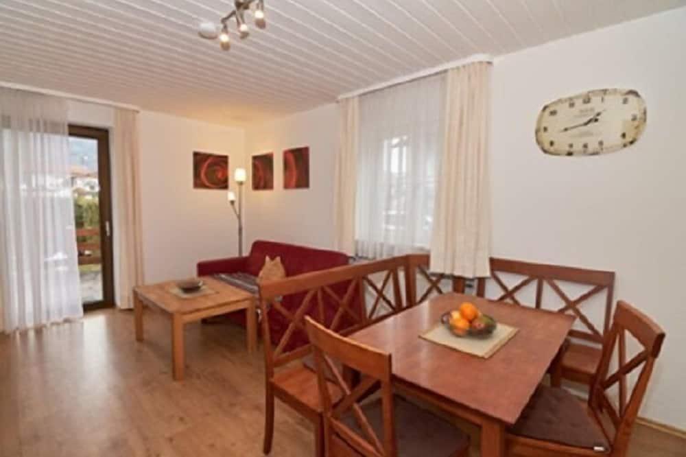 Апартаменты, 1 спальня (Maria Eck) - Обед в номере