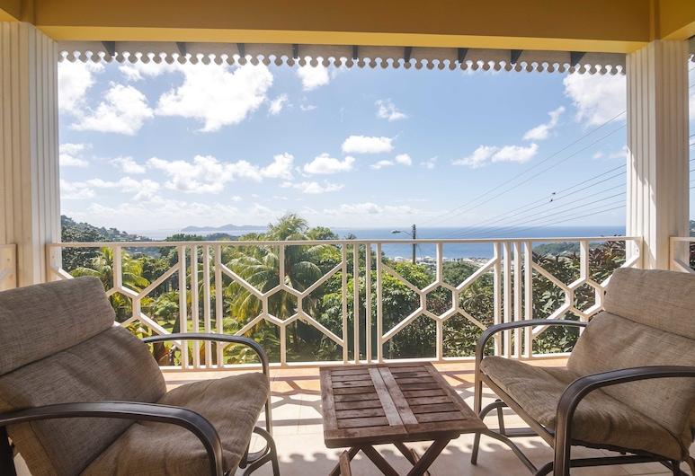 Forst Villa, Kingstown, Deluxe Room, 1 Queen Bed, Non Smoking, Bay View, Beach/Ocean View