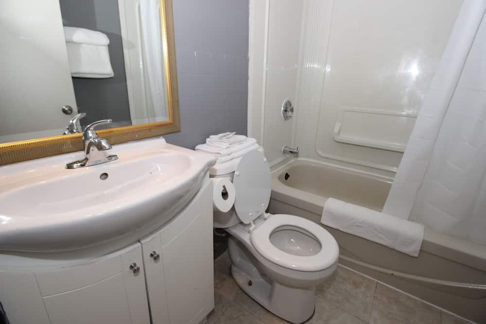 行政客房, 多張床 - 浴室