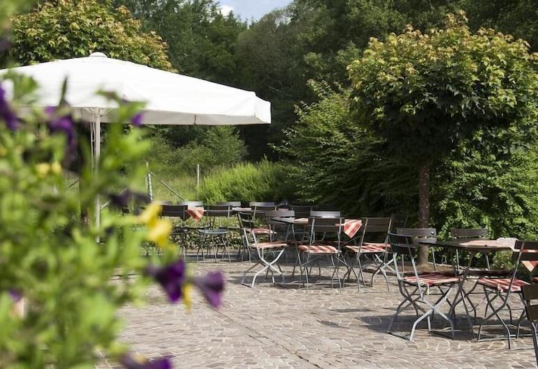 Gasthof & Landhotel Ohrnbachtal, Weilbach, Utendørsservering