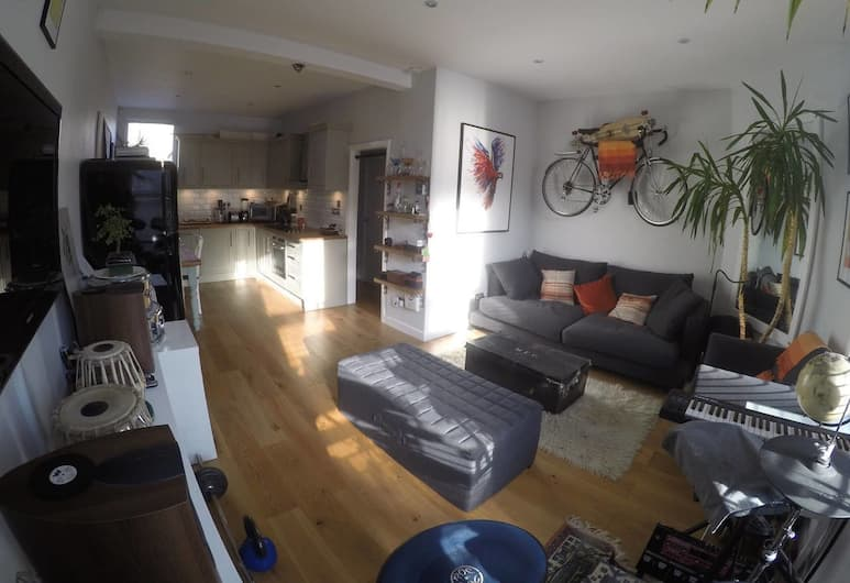 1 Bedroom Apartment In Kensal Green, Londra, Oturma Alanı